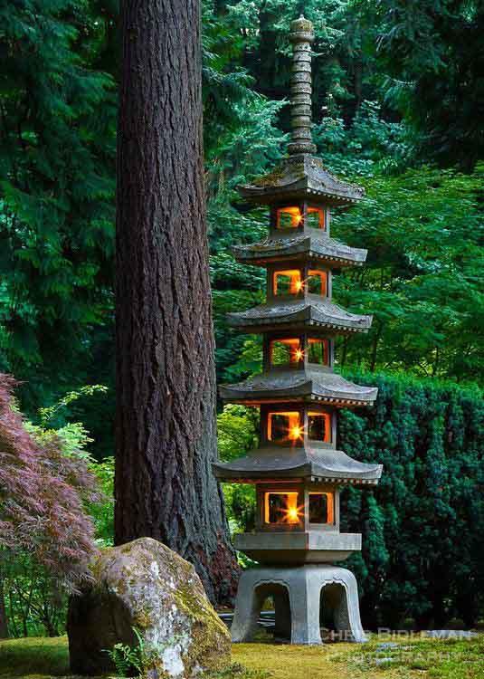 Пагода для японского оформления сада.